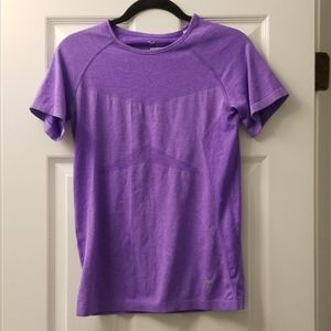 Old navy semi fit workout top